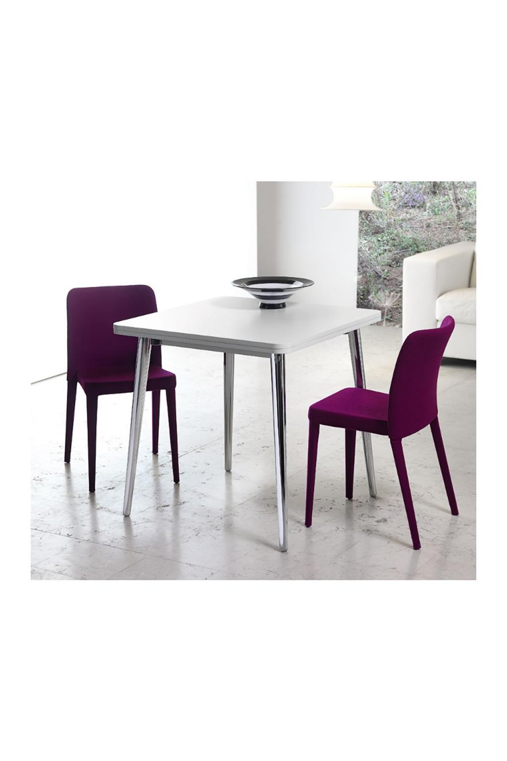 Tavoli e tavolini per la casa