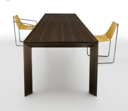 sedia 2 apelle con tavolo