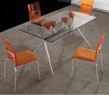 tavolo brioso con 4 sedie
