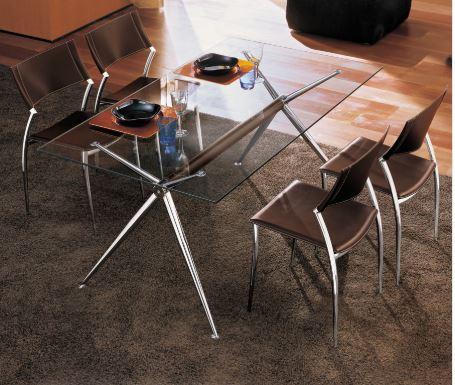 tavolo brioso con sedie