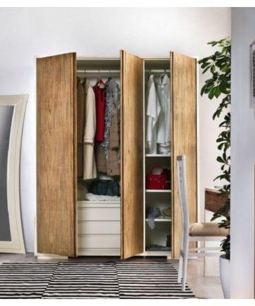 Brennero armadio 3 ante in legno aperto